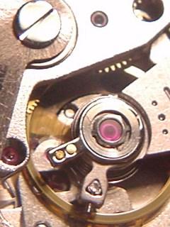 MIYOTA Cal8200 テンプ回り(銀色の受類)
