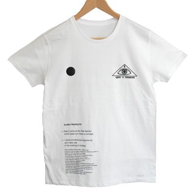 バッチ付きTシャツ