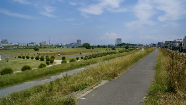 気持ちのいい多摩川沿い