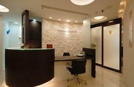 福岡市中央区大名の歯医者|歯科・林美穂医院。天神や赤坂からも徒歩圏内の完全予約制の歯科医院です。インプラント、審美歯科、歯周病治療など高度な歯科治療も丁寧に治療しています。