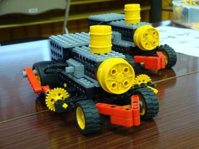 蒸気機関車ロボ「sl-2010」