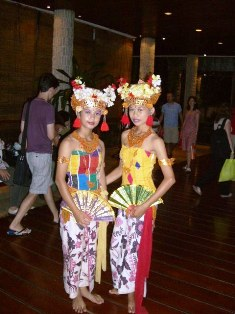 バリ舞踊の女の子