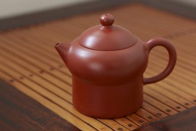 呉律均の茶壺