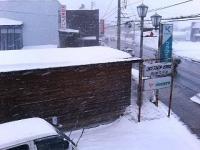 お昼から風・雪共に強くなって来ました。