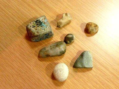 娘が拾った小石や小さいもの