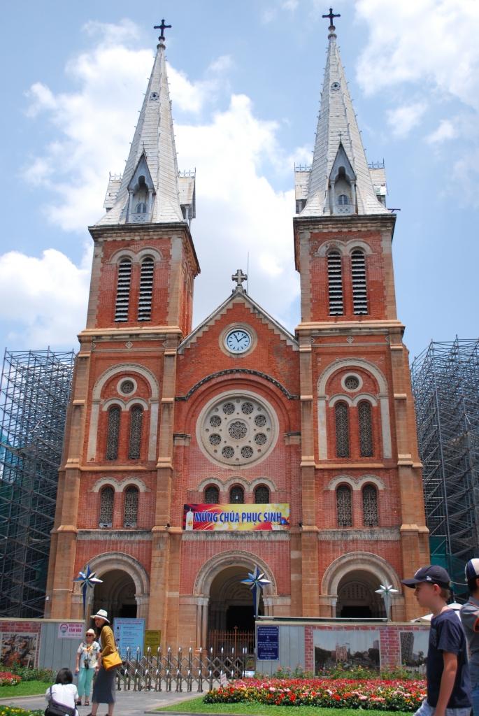 サイゴン大聖堂01