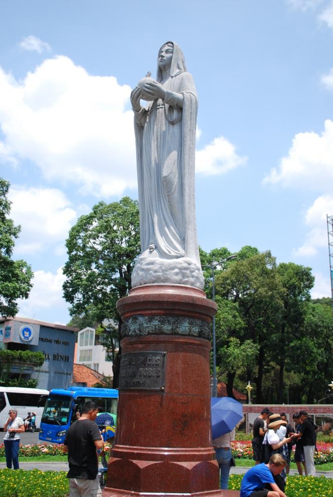 サイゴン大聖堂02
