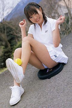 倉田みなさんのショートパンツ姿