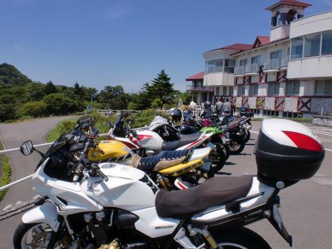 ずらっと並ぶバイク