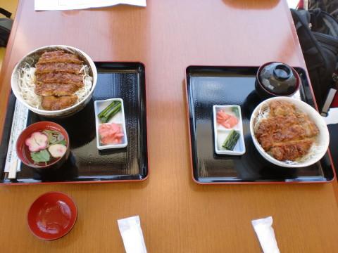 2種類のソースかつ丼