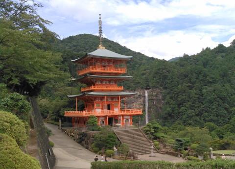 三重塔と那智の滝