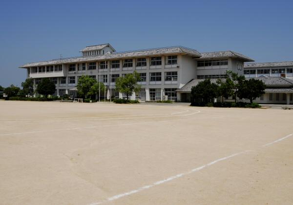 校庭(陣屋跡)