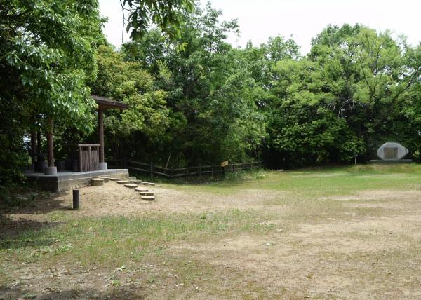 高台の枝吉城跡