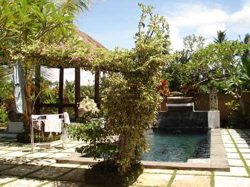 villa bulan indahのプール