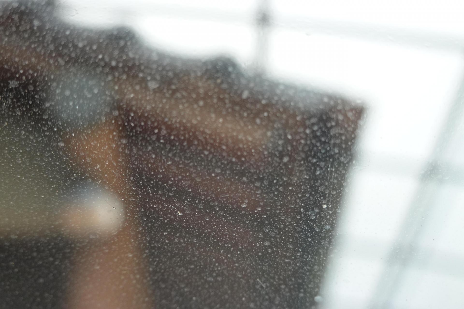 フロントガラスの汚れ