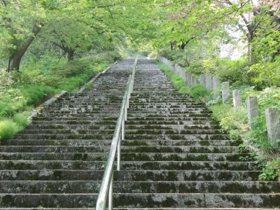神道山の石段