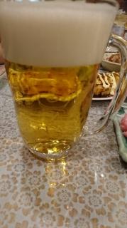 ビールをなみなみと…