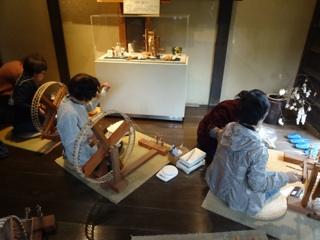糸紡ぎ練習