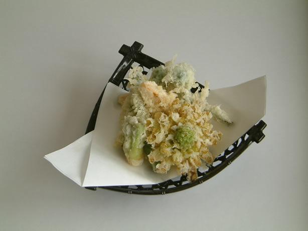 新メニュー山菜と春野菜の天ぷら
