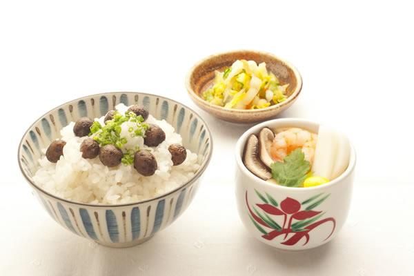むかごご飯と茶碗蒸しの和食セット