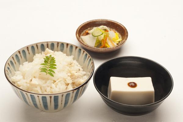 鯛めしと胡麻豆腐の和食セット