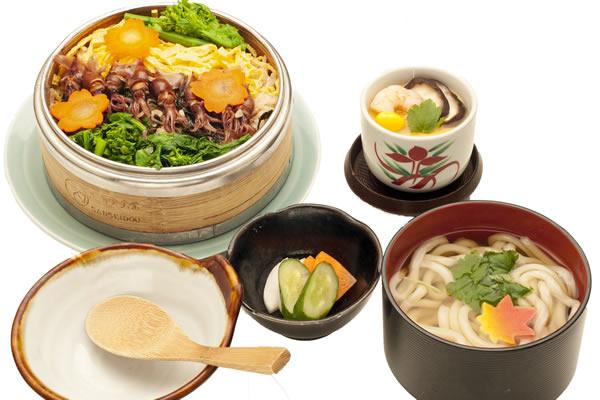 富山湾産蛍と菜花のわっぱ飯御膳