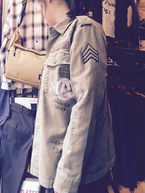 JB13448_militaryshirt_03.jpg