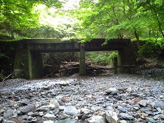 分岐点の橋