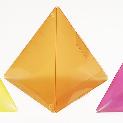 ピラミッド型クリアケース