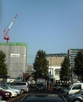 乱立する建設中のマンション