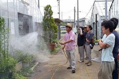 農薬散布の練習(テクノ・ホルティ園芸専門学校) (2).jpg