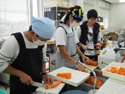 文化祭カレー準備.JPG