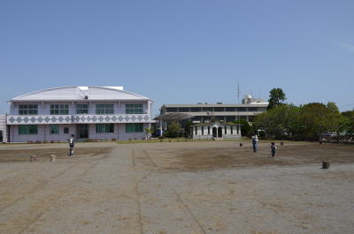 千葉県長生村役場庭画像