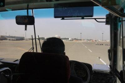 ジェットスター成田空港第二ターミナルからバスで移動画像
