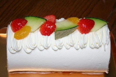 フルーツロールケーキ画像