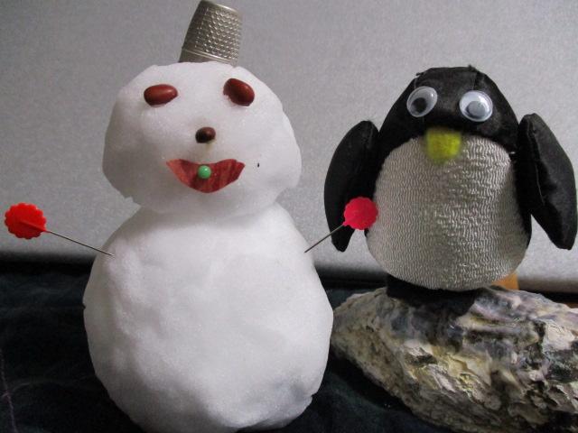 ペンギンと雪だるま