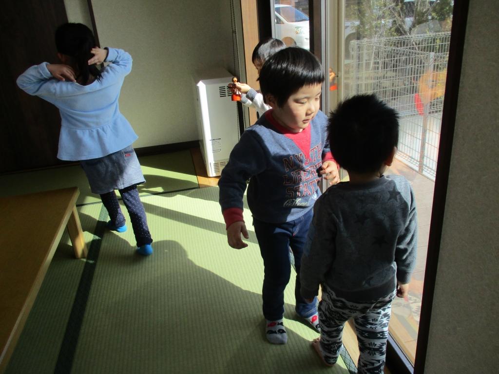 和室で遊ぶ