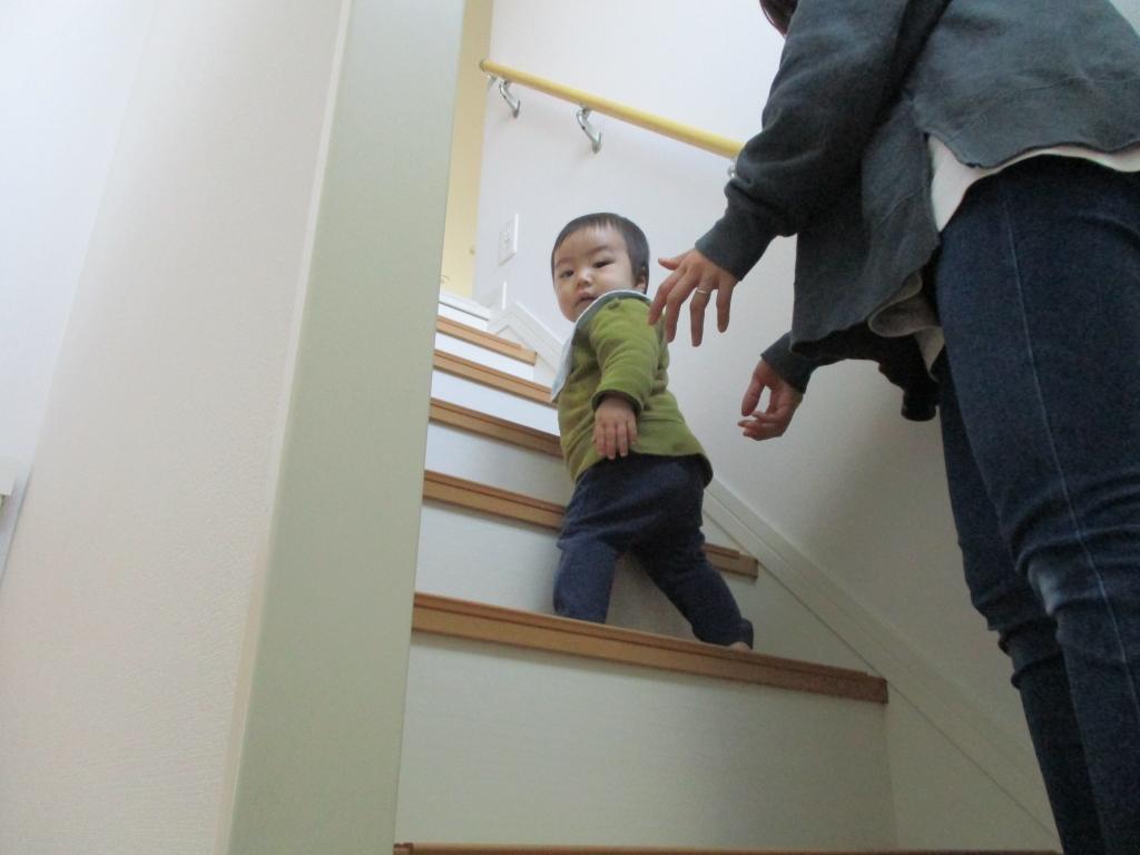登れない降りれない階段