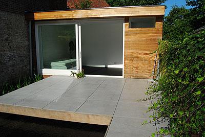 ガーデンハウス、塗装床張り完成
