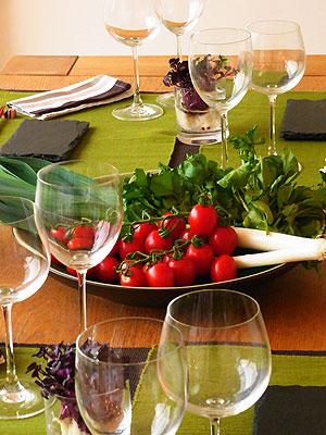 テーブルに野菜