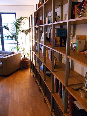 壁の本棚レイアウト