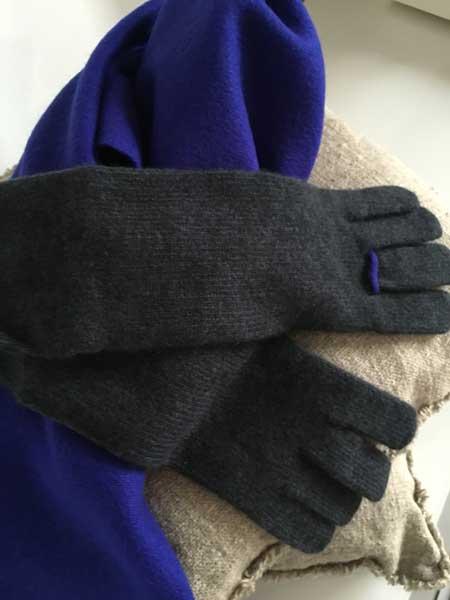オユーナカシミアフェルトラストール、リング手袋