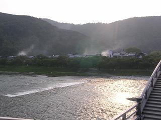 帰りに錦帯橋から見た家並みと日没の風景