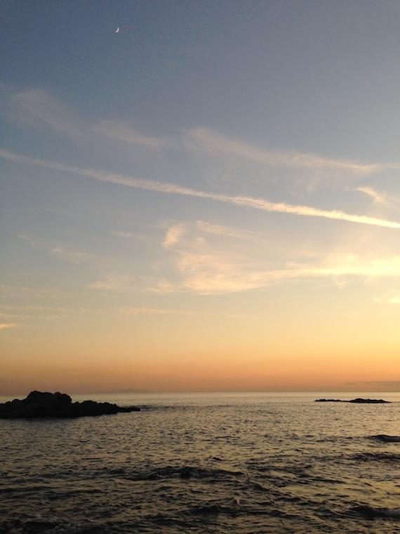 葉山 海 三日月