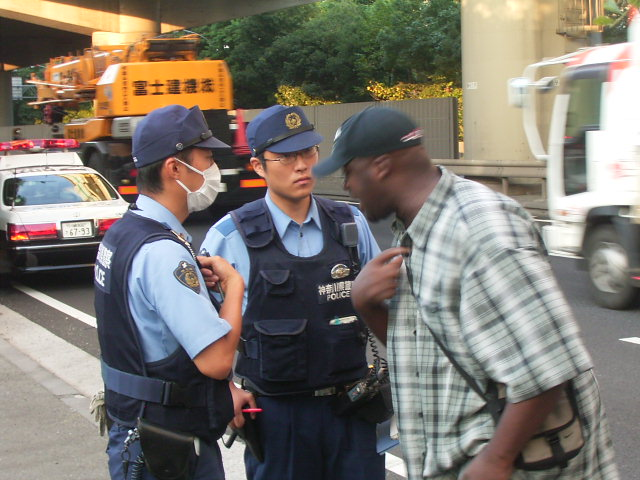 黒人と警官1