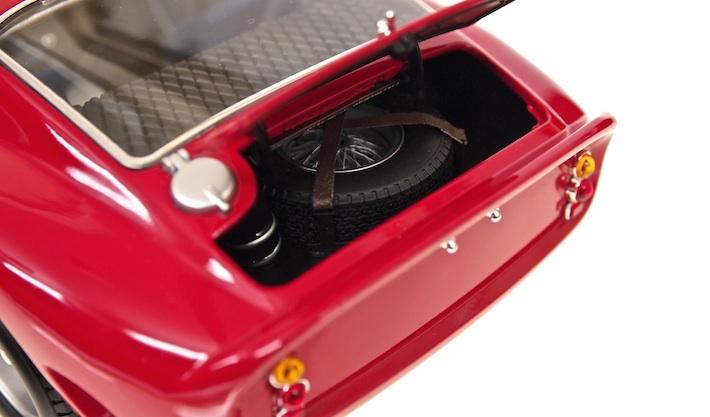 Kyosho-Ferrari-250-GTO-03.jpg