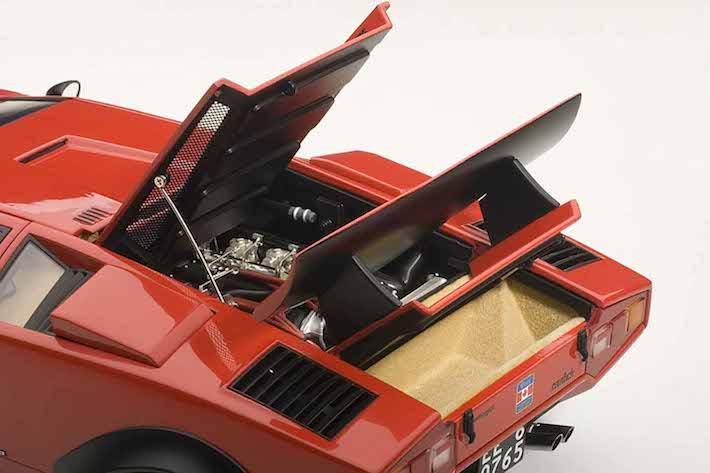 AUTOart-Lamborghini-Countach-Walter-Wolf-red-02.jpg