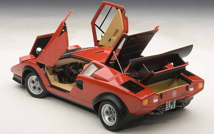 AUTOart-Lamborghini-Countach-Walter-Wolf-red-04.jpg