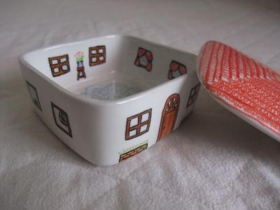 手描き陶器(家・2)