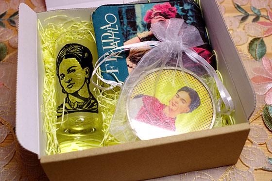 メキシコ雑貨 フリーダ フリーダカーロ フリーダ・カーロ キャンドル ロウソク 蝋燭 ギフト プレゼント バレンタイン ホワイトデー クリスマス 周年祝い 結婚祝い バースデイ 誕生日 引越し祝い 入学祝い 就職祝い 贈り物